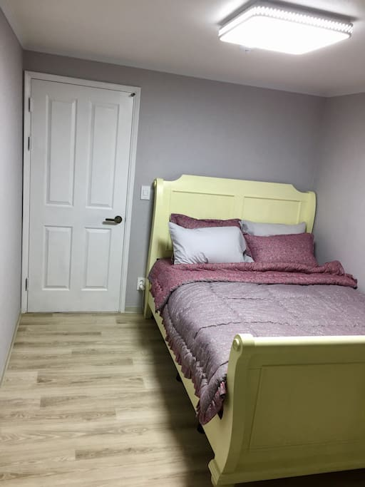 Couple room with a King size bed(winter beddings)