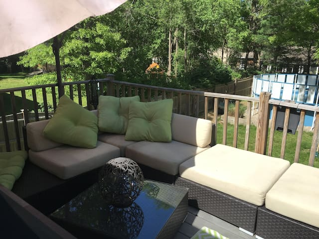 Pvt 2 Bed/Bath/Living & Outdoor Oasis