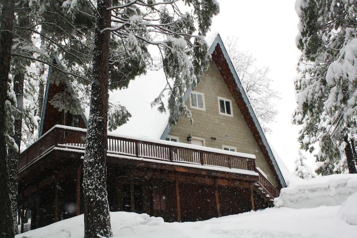 Ridgeline Retreat in Big Trees Village