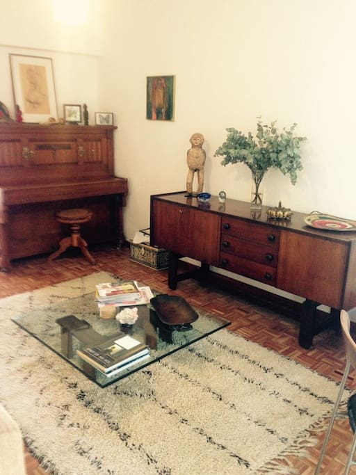 Lounge with piano