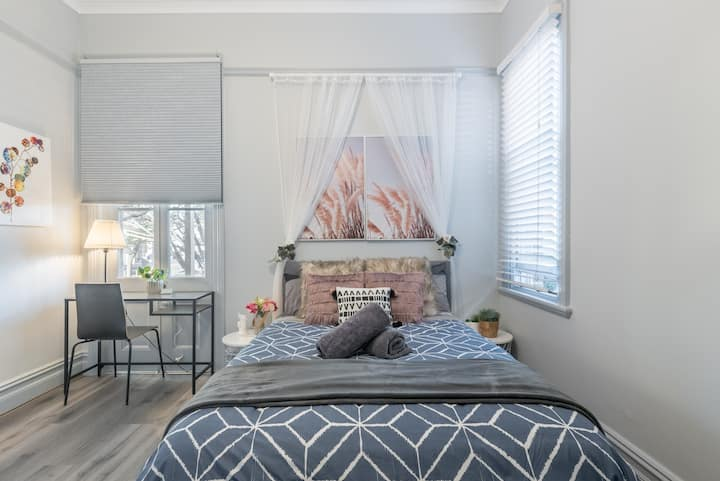 Boutique Private Rm situated in the heart of Burwood1
