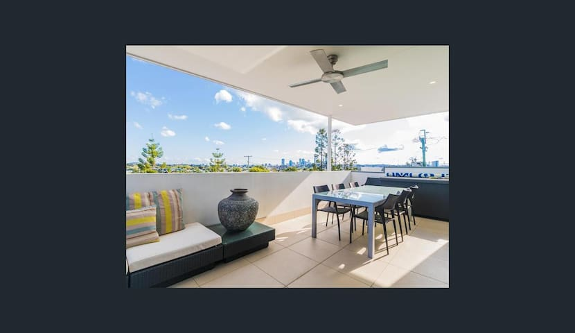 Oxford Street unit with great city views. - Bulimba - Flat