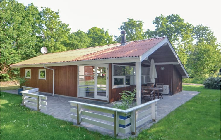 Holiday cottage with 3 bedrooms on 79m² in Glesborg