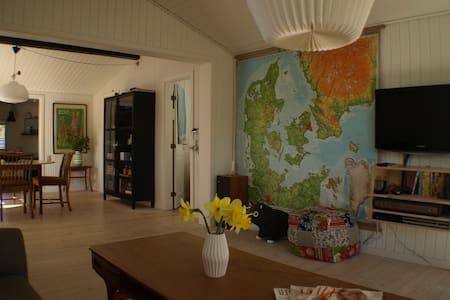 Lovely summer house in sunny Røsnæs - Kalundborg