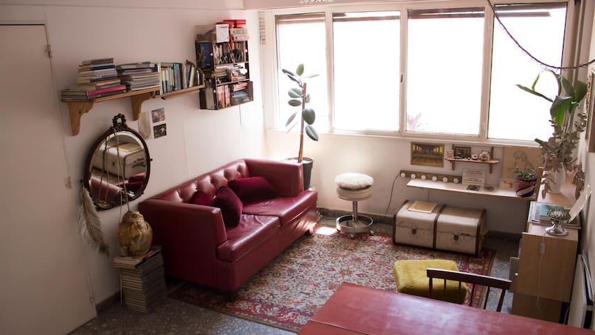 Cálido y luminoso departamento en Caballito