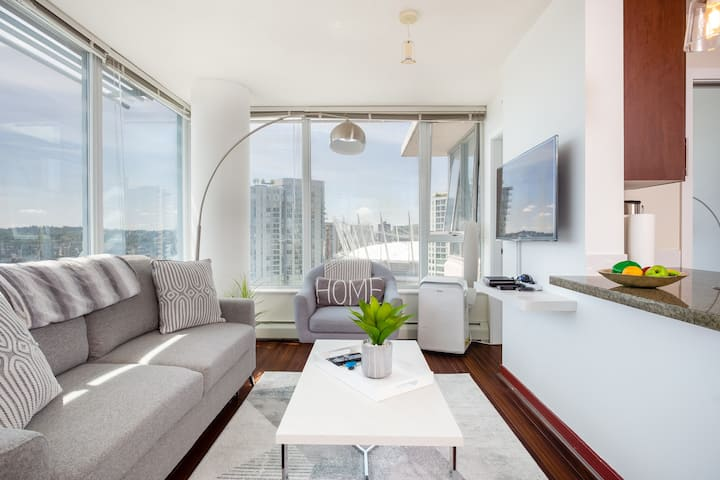Unbeatable Views in Central Location With Parking!