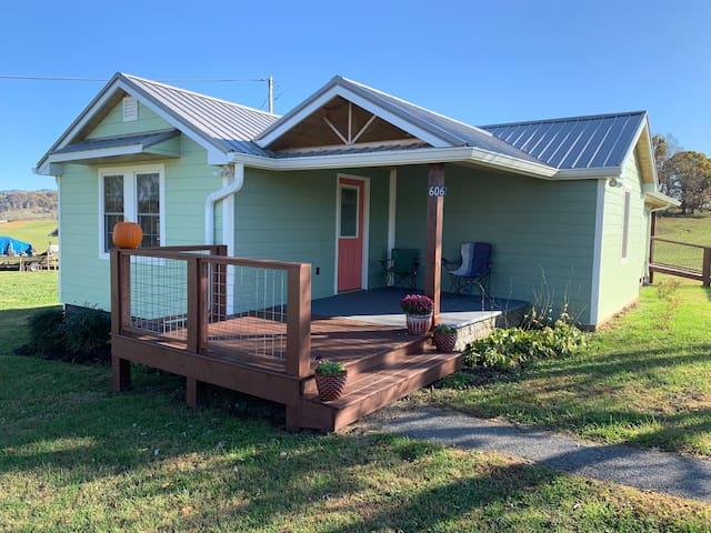 Happy Trails Cottage Guest House