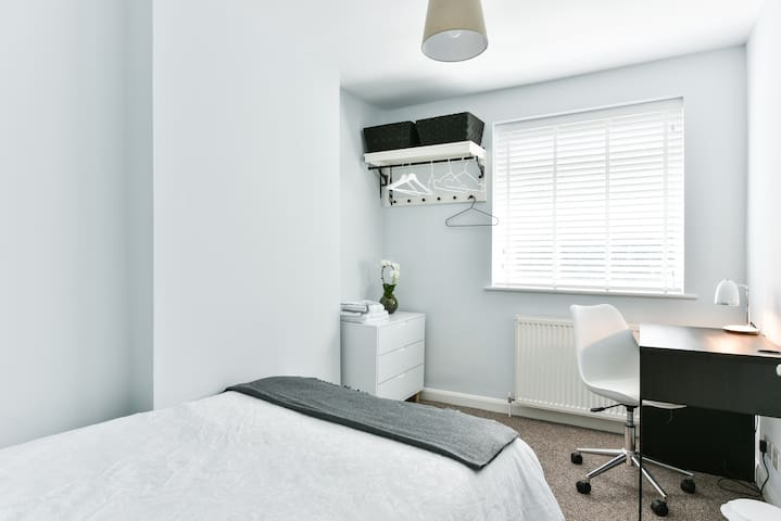 Beautiful room in the heart of East Grinstead
