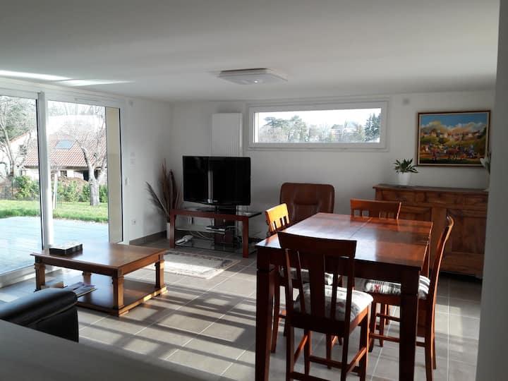 Logement entier 70m2, 2 chambres+terrasse+jardin