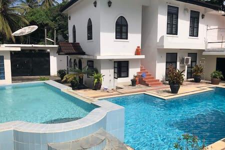 Paradise housing