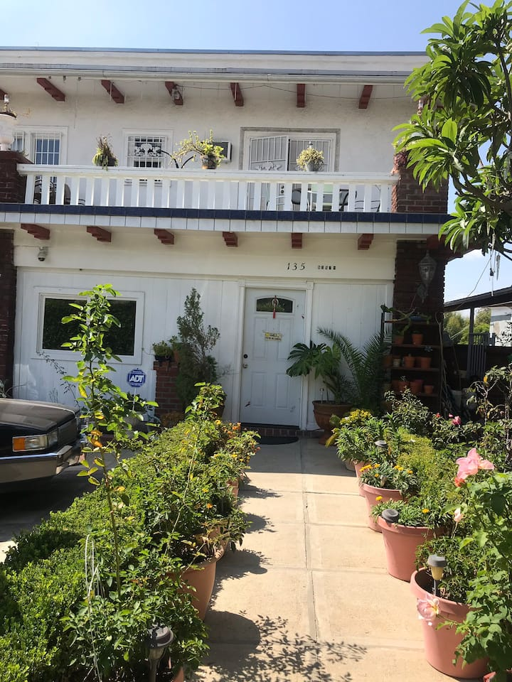 Affordable in the heart of LA,Bev.Hill,Downtown