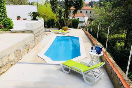 Villa Vegter- Moradia com piscina