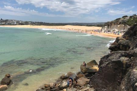 beach side escape - North Curl Curl