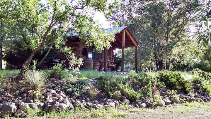 Pinon Log Cabin Studio - Escape to Bear Creek, Hiking, Nature, Relax