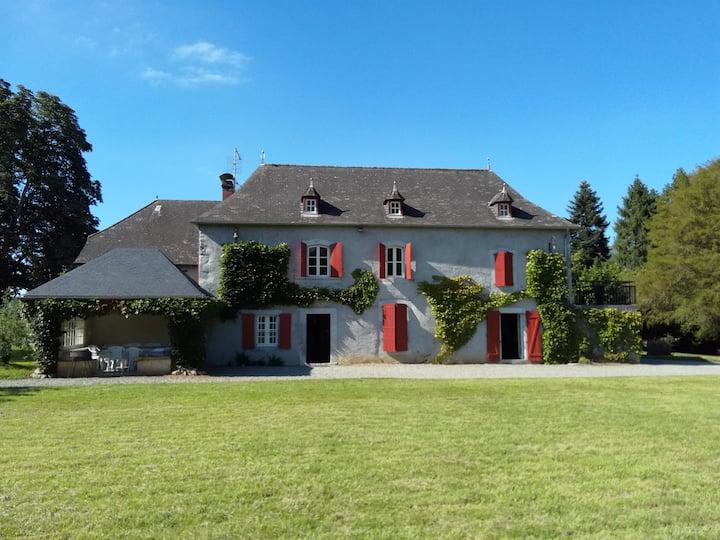 Grande maison authentique au pays basque
