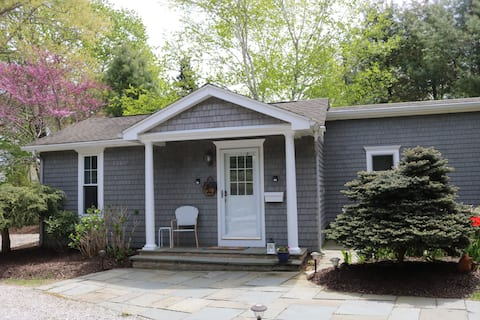 Coastal Cottage Private Studio