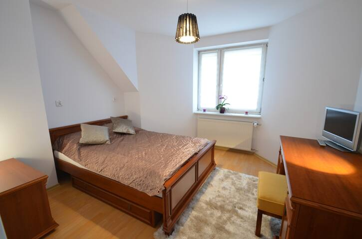 6 - room between airport and city center - Gdansk - Casa