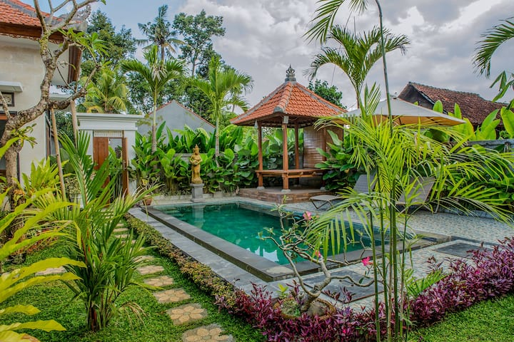 UmahSan Villas Deluxe Room with Pool View