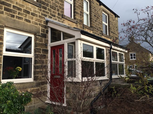 Family home, Chinley, Peak District - Chinley - House