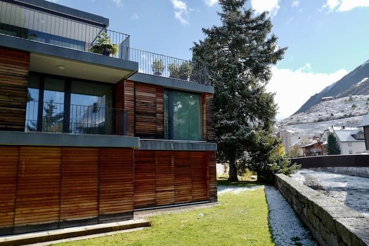 Modern riverside oasis in the heart of Andermatt
