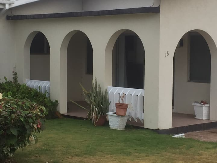 Quiet & Cozy Family-style home