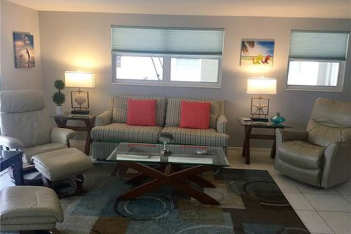 Island House Beach Resort V13 - Siesta Key - Villa