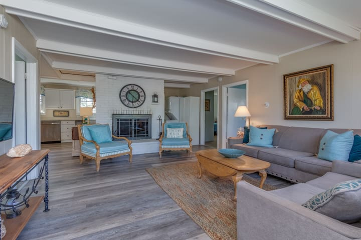 Rye NH Beach House - Just Steps from Jenness Beach
