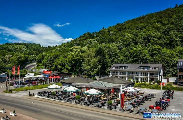 Blick auf die Nordschleife - Adenau - Casa vacanze