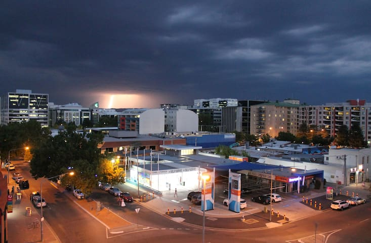 Braddon apartment - the centre of Canberra