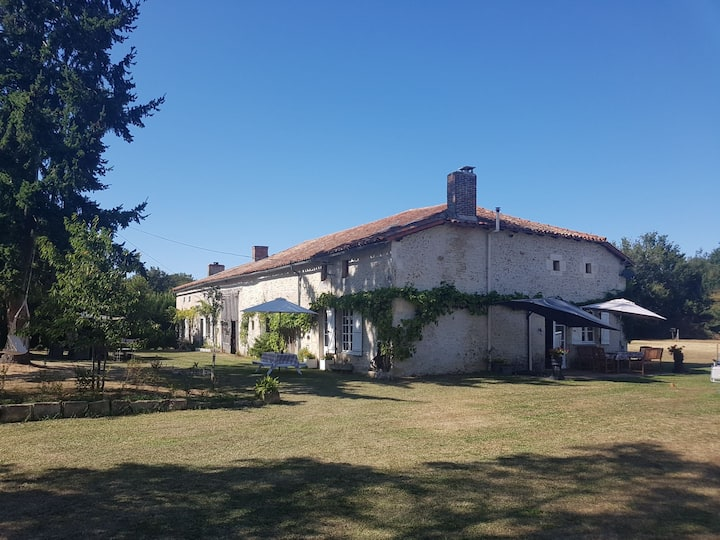 L'Angelique, spacious cottage and grounds.