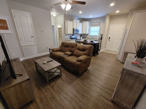 Quiet, private suite in single family home