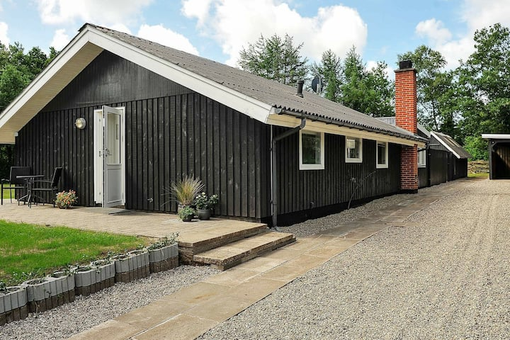 Comfortable Holiday Home in Oksbøl with Carport