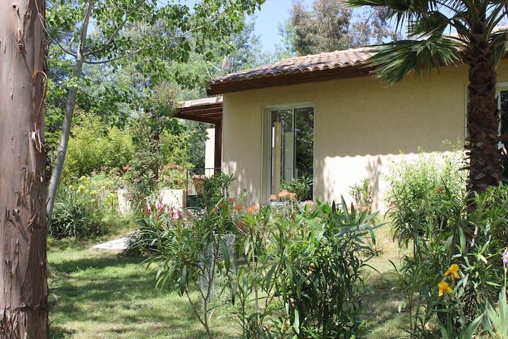 Cargese ,Maison 2 pièces  5mn à pied de la plage - Cargèse - Casa