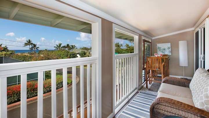 STEPS FROM POIPU BEACH WITH AC!