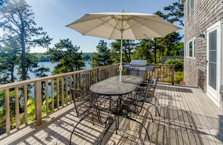 Waterfront 4BR Home in Cape Cod