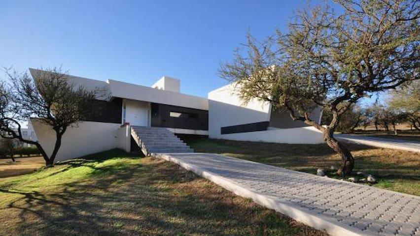 Casa Causana