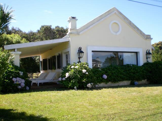 Casa frente a playa Punta Piedras al mejor precio - El Chorro