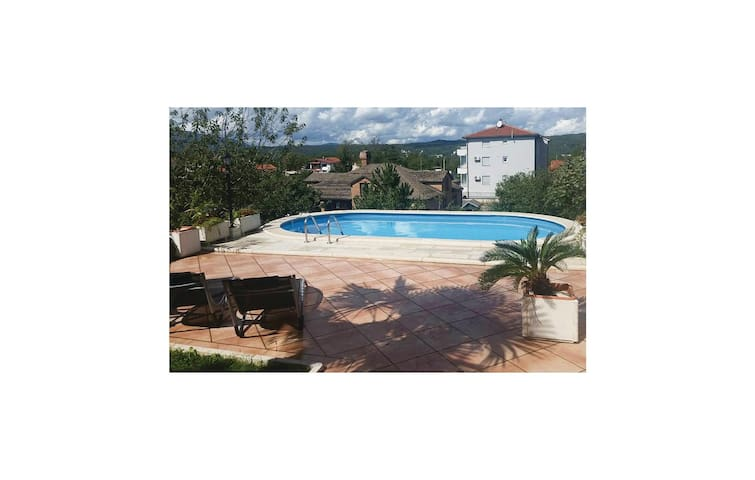 Holiday apartment with 3 bedrooms on 94 m² in Viskovo