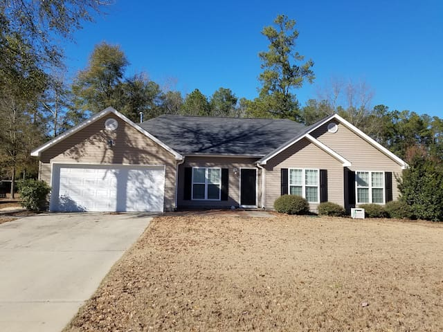 2 bed, 2 bath house for Masters! - Aiken