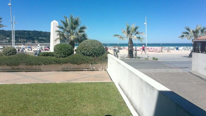 T3 4/5pers front de mer Hendaye Sokoburu