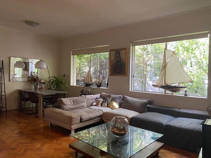 Cozy room at the heart of Bondi Beach