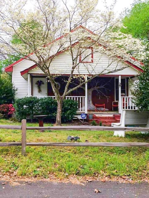 The Treehouse Cottage, Aiken SC