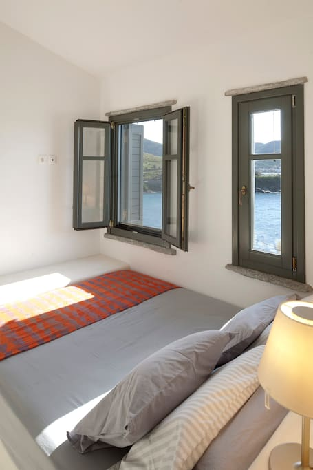 Bedroom with amazing seaview from the bed