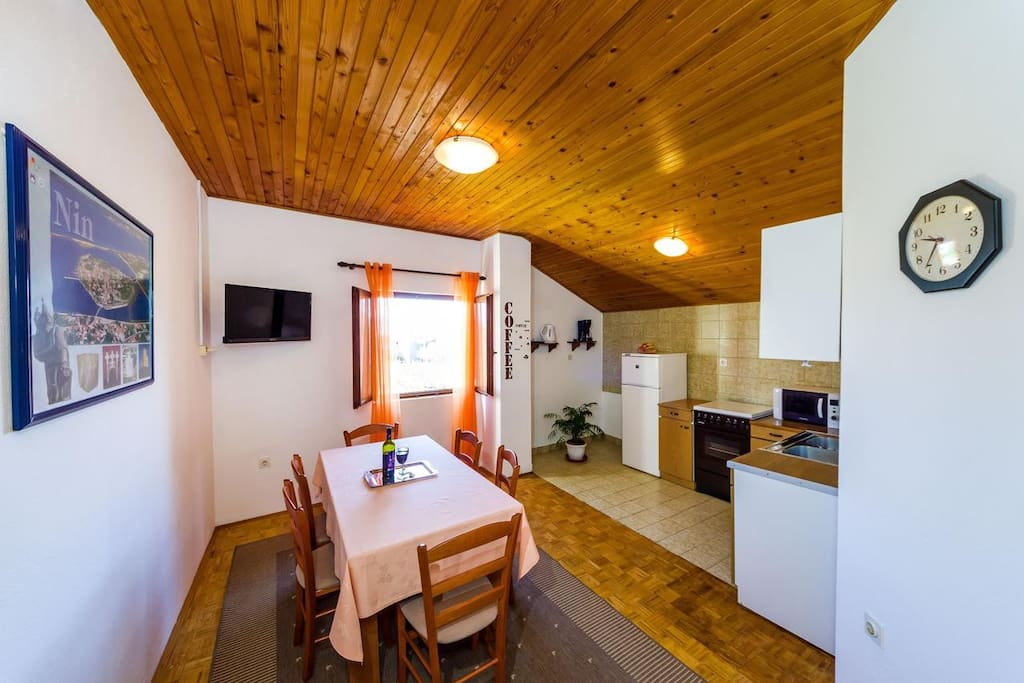 Dining room, Surface: 11 m²