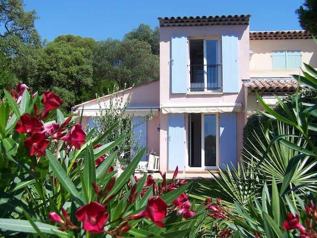 Petite villa à 50m de la mer CAP EMERAUDE - Roquebrune-sur-Argens - Rumah