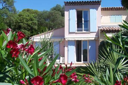 Petite villa à 50m de la mer CAP EMERAUDE - Roquebrune-sur-Argens