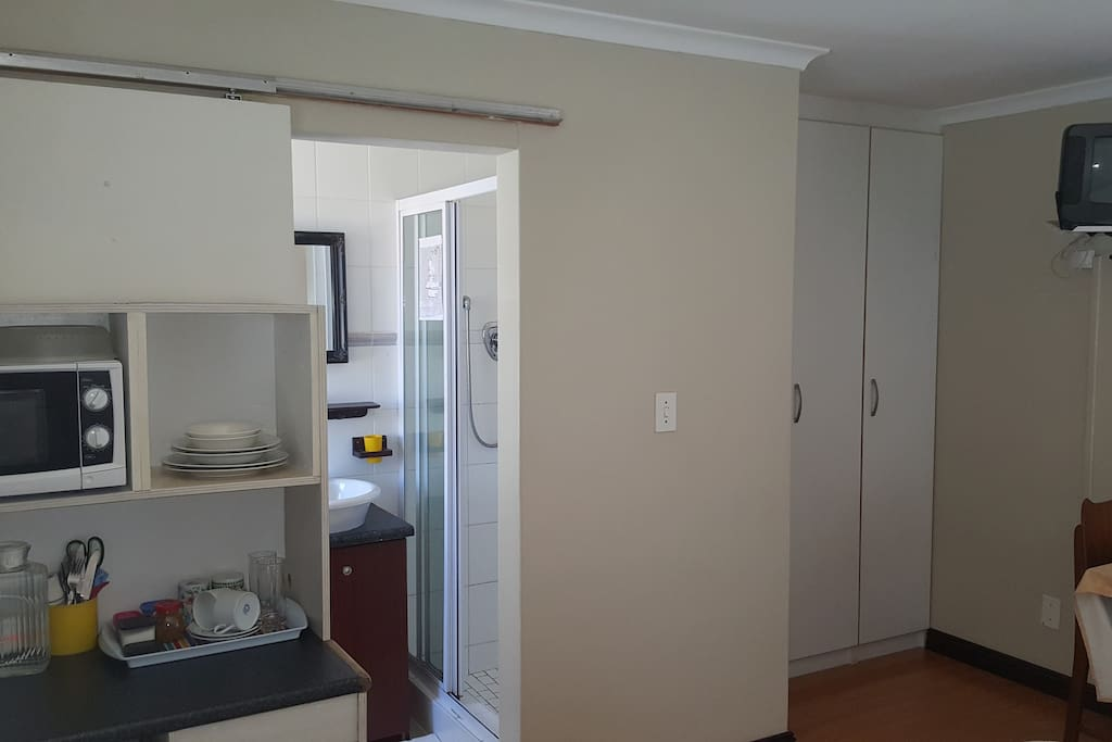 Room RP. Fully equipped kitchenette