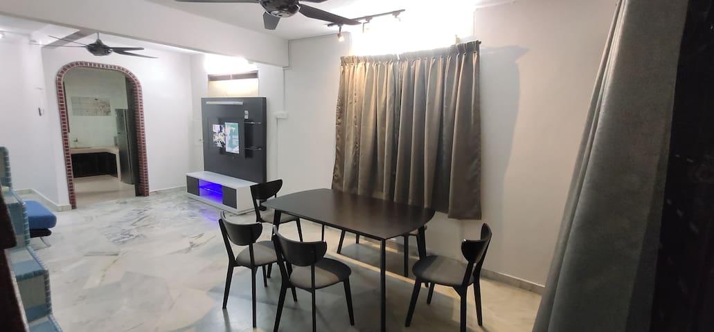Comfortable House Menglembu, Ipoh, 4-6pax