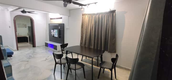 Comfortable House Menglembu, Ipoh, 3-5pax