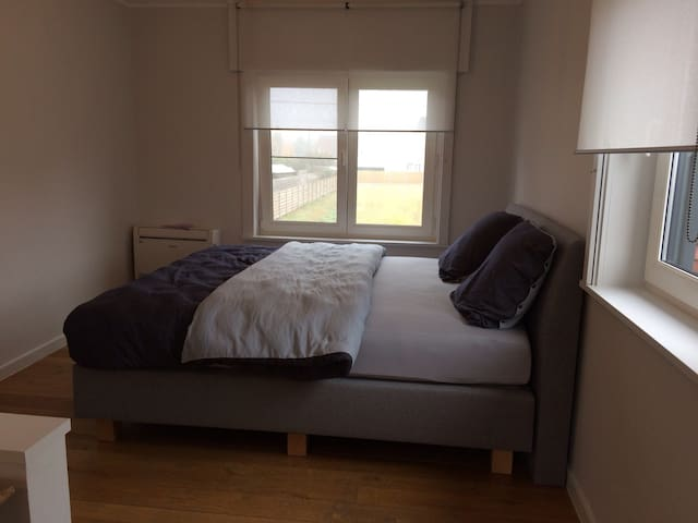 Spacious room with large garden near Brugge - Torhout - Dom
